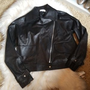 Aeron leather jacket with 2 front pockets